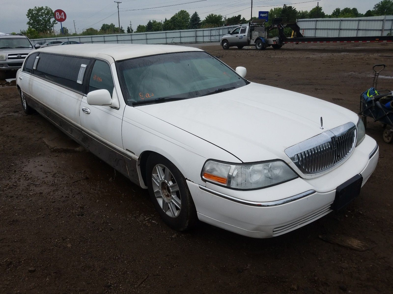 LINCOLN TOWN 2008